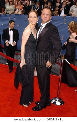HOLLYWOOD - APRIL 28: Lauralee Bell and husband Scott at The 33rd Annual Daytime Emmy Awards at Kodak Theatre on April 28, 2006 in Hollywood, CA.