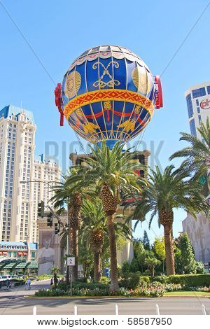 Montgolfier Balloon Near Paris Hotel In Las Vegas