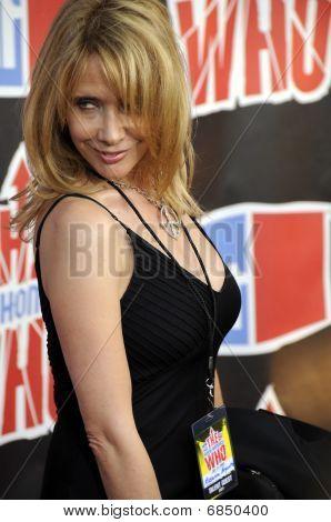 Rosanna Arquette on the red carpet.