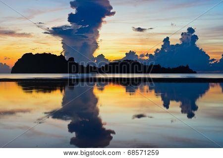 Sunrise At Hat Sai Ri Beach In Chumphon