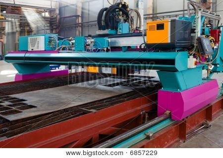 Powerful Metalworking Machine