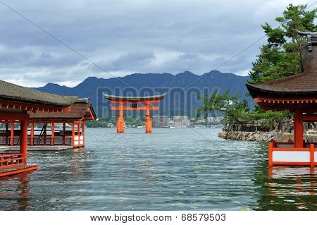 Great floating gate (O-Torii) on Miyajima island near Itsukushima shinto shrine, Japan