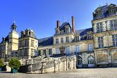 foto of chateau  - View of the Chateau de Fontainebleau and its famous stairway - JPG