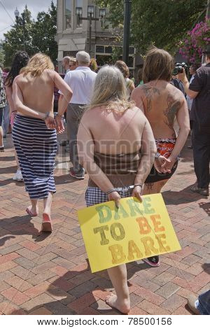 Go Topless Women Dare To Be Bare