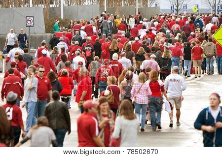 Thousands Of Alabama Fans Converge On The Georgia Dome