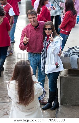 Alabama Couple Makes Number One Gesture Before Big Game