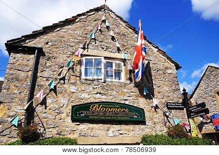 Bloomers Original Bakewell Pudding Factory.