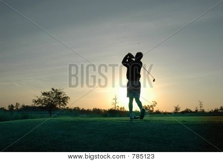 Sunrise golfer