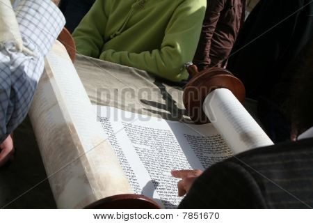 Reading from a Torah Scroll