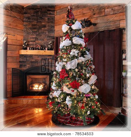 Stunning Cottage Christmas Tree And Decorations