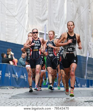Rebecca Clark, Jodie Stimpson And Vendula Frintova, Running