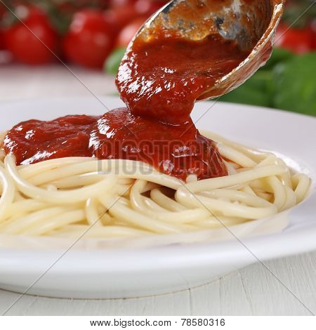 Cooking Spaghetti Noodles Pasta Serving Tomato Sauce Napoli On Plate