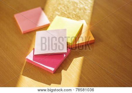 Pile Of sticky note post it