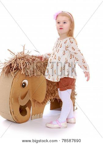 Studio photography of a little girl.