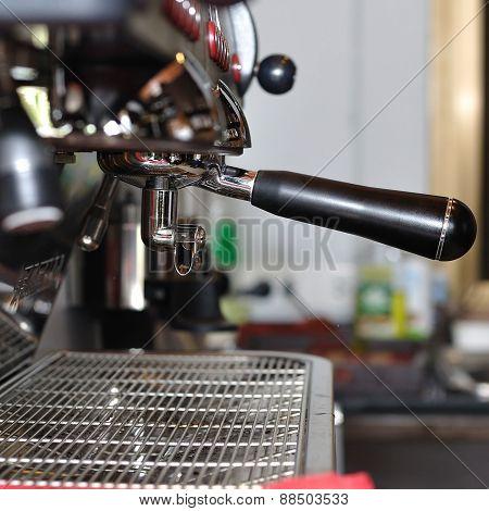 Making Fresh Coffee Via Steaming Machines,