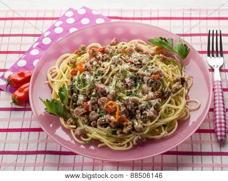 spaghetti with bacon hot chili pepper parsley and cheese
