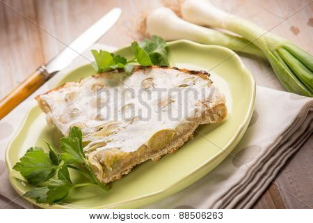 cake with leek and cheese