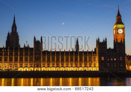 Houses Of Parliament In London At Dusk