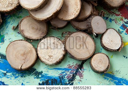 tinker pieces of wood