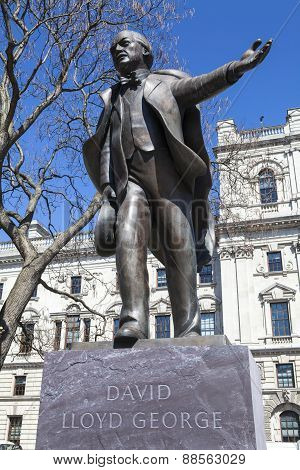 David Lloyd George Statue In London