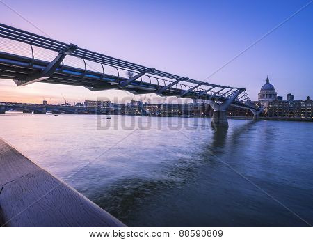 Millenium to Blackfriars bridges