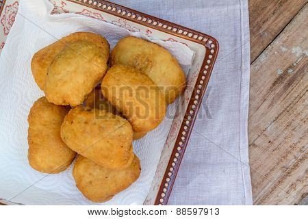 pirozhki, russian traditional food, Meat patties in the plate, vegetable pasties, buns