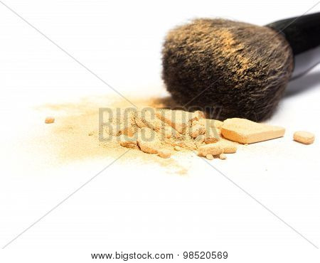 Mineral Shimmer Powder Golden Color With Makeup Brush