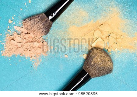 Matte Compact Powder And Shimmer Powder With Makeup Brushes