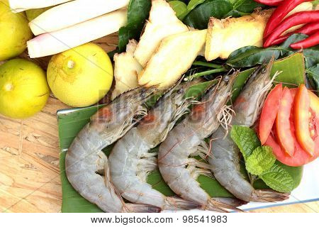 Shrimp and lemon chilli lemon grass kaffir lime leaves for soup spicy