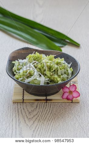 Pounded Unripe Rice, Shredded Rice Grain With Coconut, Traditional Thai Dessert