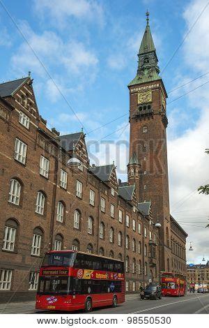 Hop-on Hop-off Bus Tours In Copenhagen