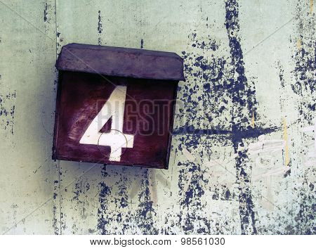 number 4 box