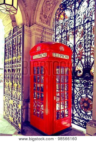 Phone box in Westminster, red symbol of Great Britain