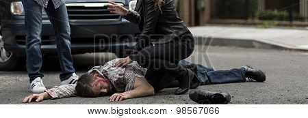 Helping Victim Of Car Accident