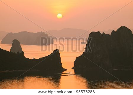 Beautiful sunrise in Halong bay