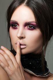 pic of shhh  - Close - JPG