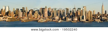 Hugh Detailed Panorama of Midtown Manhattan and Hudson River