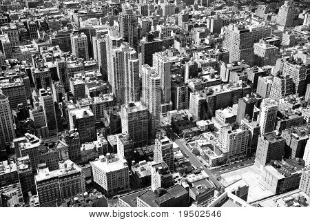 An aerial black and white view of midtown Manhattan, New York