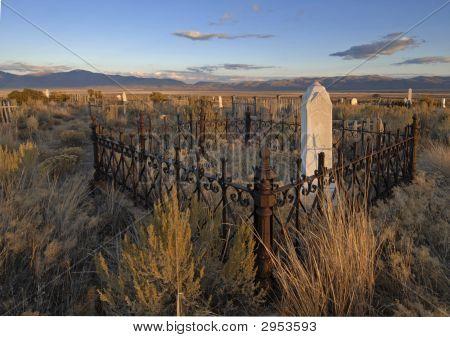 Cemitério pioneiro no espírito sem nome