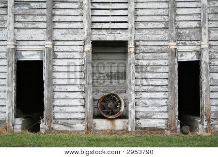 Corn Crib Front