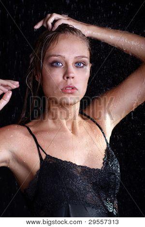 sexual mujer mojada - una foto de estudio