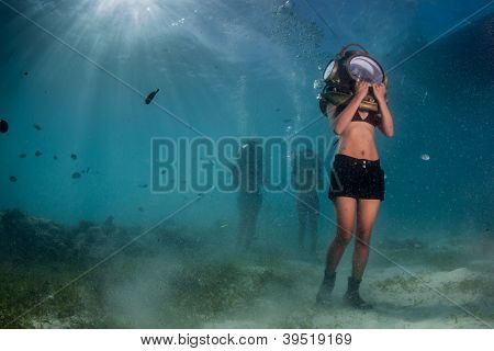 helmet diver in the philippines