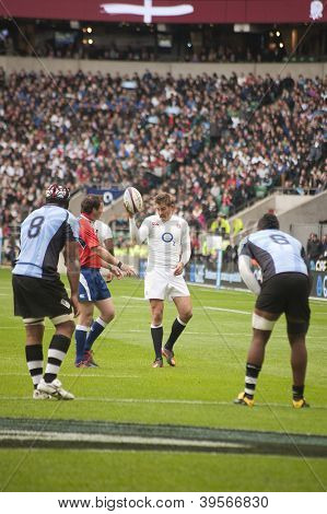 TWICKENHAM LONDON - NOVEMBER 10: Toby Flood signals for goal kick at England vs Fiji, England playing in white Win 54-12, at QBE Rugby Match on November 10, 2012 in Twickenham, England.