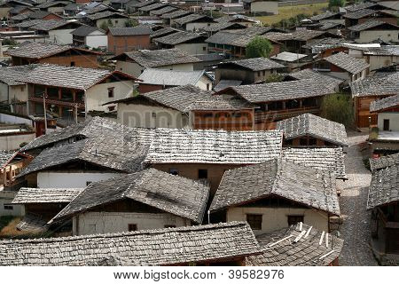 Rooftops of Zhongdian