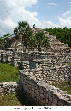 Xcambo Mayan Ruins