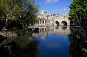 pic of avon  - Pulteney Bridge and the River Avon in Bath - JPG