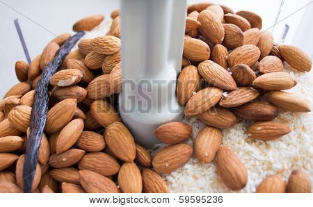 Making Almond Coconut Butter In Food Processor