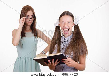 Trainee Shows Language Teacher In Shock