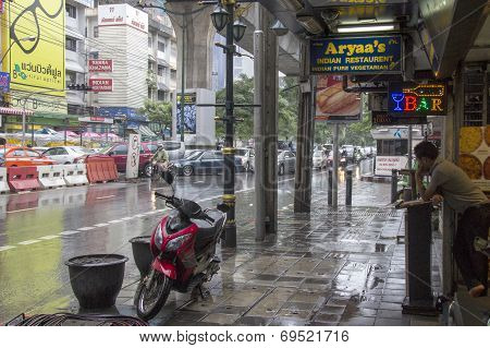 Bangkok, Thailand-sept 25Th: Sukhumvit Road During A Rainstorm On September 25Th 2012. Sukhuvit Road