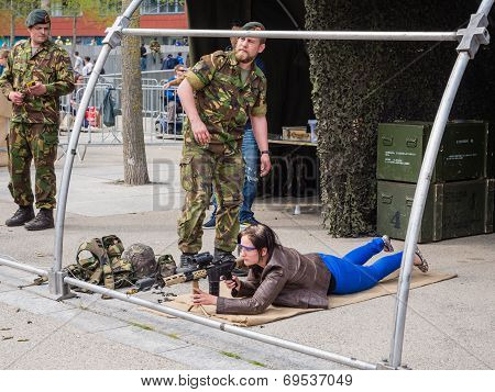 People Play With Weapons On Army Day
